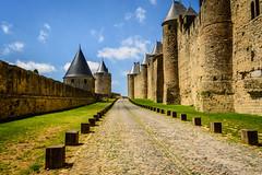 Entre dos murallas (Jesús Vegue) Tags: europa carcasona francia carcassonne occitanie fr