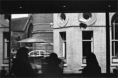 (frscspd) Tags: 51620017 20170417 pentax pentaxmx mx takumar takumar58mm 58mm ilford ilfordxp2 ilfordxp2400bw xp2 filmgrain film blackandwhite monochrome cambridge pho peashill silhouette windowsill guildhall