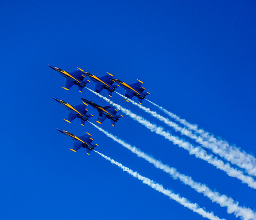"Blue Angels • <a style=""font-size:0.8em;"" href=""http://www.flickr.com/photos/40260401@N08/37295403550/"" target=""_blank"">View on Flickr</a>"
