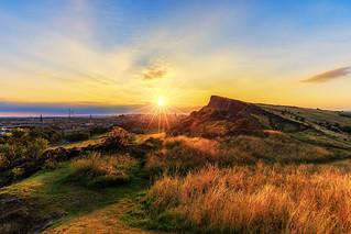 Golden light over Auld Reekie