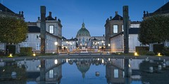 (James Whitlock Photography) Tags: denmark copenhagen palace royal amalienborg frederiks kircke church dome night long exposure reflection fountain sculpture dawn morning sunrise light streak nikon d810