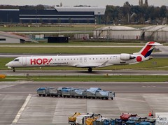 HOP! CRJ1000 F-HMLH taxiing at AMS/EHAM (AviationEagle32) Tags: amsterdam amsterdamschipholairport ams amsterdamairport schiphol schipholairport schipholviewingterrace amsterdamschiphol eham thenetherlands holland airport aircraft airplanes apron aviation aeroplanes avp aviationphotography avgeek aviationlovers aviationgeek aeroplane airplane planespotting planes plane flying flickraviation flight vehicle tarmac hop airfranceklm airfrance crj bombardier bombardieraerospace crj1000 bombardiercrj1000 fhmlh