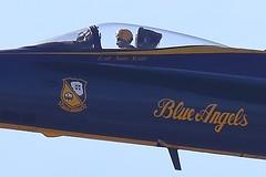 5D4_1601_Crop_DPP.Comp2048 (SF_HDV) Tags: 5dmarkiv 5dmark4 5dm4 sanfrancisco fleetweek fleetweek2017 canon5dmarkiv canon5dmark4 california usnavy fa18 fa18hornet jet aircraft fighter blueangels natescott ltcmdrnatescott