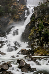 Norway - Låtefossen ((Ruud) Reddingius) Tags: waterval norway norge noorwegen odda hordaland lotevatnet rots steen fjell ef1740mmf4lusm canoneos5dmarkiii ruudreddingius river rivier