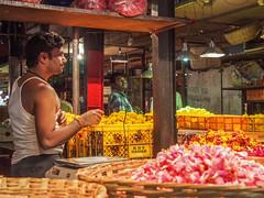 LR-006 (hunbille) Tags: india mumbai birgittemumbai32015lr dadar phool galli phoolgalli flower market bazaar bombay