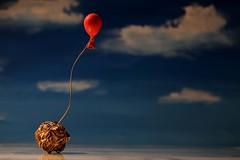 Let it go (fotospoekes) Tags: ballon stone stein leicht schwer easy heavy hard heaven red rot himmel wolken tabletop still fotospoekes