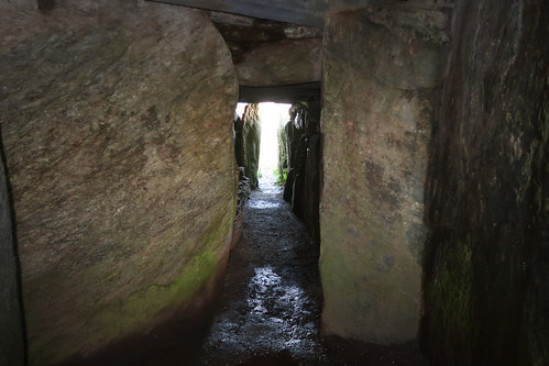 Bryn Celli Ddu - towrads the eastern opening