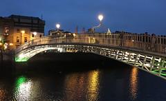 Dublin Nighttime # 2 (schreibtnix on 'n off) Tags: reisen travelling irland ireland dublin nacht night flus river liffey lichter lights spiegelungen reflections architektur architecture dublinnighttime2 appleiphone6plus schreibtnix