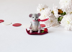 (free_dragonfly) Tags: mouse tiny toys animals cute miniature red gray