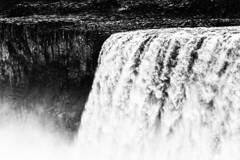 Dettifoss, Islande (Kevin Mouzet) Tags: pierre roche stone eau water paysage landscape blanc noir white black voyage travel chuted'eau cascade waterfall islande iceland kevin kévinmouzet