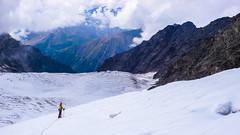 Już wiemy którędy jutro pojdziemy w świetle czołówek, Czas wracać do obozu, Monika schodzi pierwsza. (Tomasz Bobrowski) Tags: wspinanie mountains kasebi gruzja kaukaz góry tetnuldi caucasus georgia climbing