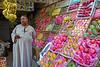 Man selling Fruits (.hd.) Tags: man market selling hurghada egypt street streetlive arabic caftan tradition streetvendors streetsellers hurghada2017 addahar