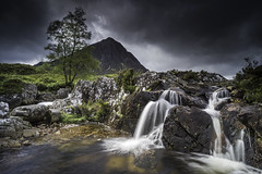 Buachaille Etive Mor (grahamhutton) Tags: scotland highlands scottishhighlands scottishmidge glencoe sonya6000 sony1018mmf4oss leefiltersseven5 longexposure buachailleetivemor rivercoupall stobdearg thegreatherdsmanofetive etive a82