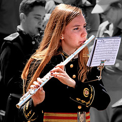 Semana Santa en Ronda, España (pom.angers) Tags: canoneos400ddigital 2017 april spain andalusia europeanunion woman women music religion 100 150 200 300 hair uniform ronda