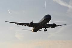 VN0055 HAN-LHR (A380spotter) Tags: wake shockwave condensation moisture water vapour vortex trail silhouette arrival landing finals shortfinals threshold belly strobe beacon boeing 787 9 900 7879 dreamliner™ dreamliner vna863 hãnghàngkhôngquốcgiaviệtnam vietnamairlines vietnamairlinescompanylimited hvn vn vn0055 hanlhr runway27r 27r london heathrow egll lhr