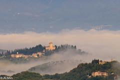 Villa medicea del Trebbio (nella nebbia) (al.min) Tags: iltrebbio castello villamedicea spieroasieve mugello firenze toscana italy nebbia brume autunno