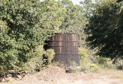 Wooden Oil Well Tank, Moonshine Hill, Texas 1710251201 (Patrick Feller) Tags: moonshine hill humble texas tx harris county san jacinto river oil oilfield drilling petroleum production equipment wooden well rig tank steel iron hoops huffman lane ln field