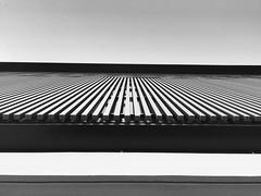 Lignes (Lionelcolomb) Tags: architecture géométrie perspective apple iphone6 line bw noiretblanc france bâtiment lignes