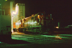GB&W C430 #315 sleeping under the lights in Green Bay on 10/15/77 (LE_Irvin) Tags: c430 gbw greenbaywi
