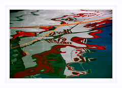 """Le Galoubet en plongée . . .c'est une barque de pêche appelée aussi """"pointu"""" dans notre region. (nickylechatreux) Tags: bateau mer reflet pointu sud"""