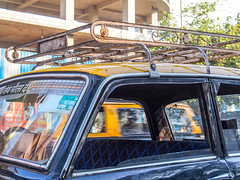 Mumbai 2015 (hunbille) Tags: india mumbai bombay birgittemumbai2lr dadar phool galli phoolgalli flower market bazaar taxi