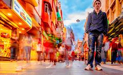 Javi quieto. 02. S.C. Tenerife, diciembre 2010. (Jazz Sandoval) Tags: 2010 elfumador españa exterior enlacalle expresión expression equilibrio amarillo azul búsquedas búsqueda blanco blue bermellón boy color canarias contraste calle colour curiosidad contraluz curiosity city day digital fotografíadecalle fotodecalle fotografíacallejera fotosdecalle family gente humanos hombre humano human humanfamily islascanarias ilustración jazzsandoval rojo luz light movimiento man moving mu negro nero naranja onírico o portrait people retrato red streetphotography streetphoto solo quieto tenerife uno wonderful yellow