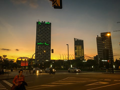 Plaza Europa, L´H (efe Marimon) Tags: appleiphone6s felixmarimon catalunya barcelona l´hospitalet plazaeuropa skyline