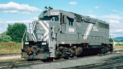 3074_9_25 (2)_crop_clean_R (railfanbear1) Tags: railroad dh helm