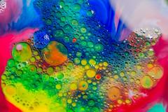 Cosmo bulles 11-1 (Merlin H.) Tags: alsace colmar hautrhin bulle couleurs eau huile lait macro milk