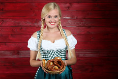 Oktoberfest Brezel (FotoDB.de) Tags: bier brezel dirndel dirndl frau masskrug mas oktoberfest wiesen wiesn