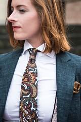 Moda Magiore (bof352000) Tags: woman tie necktie suit shirt fashion businesswoman elegance class strict femme cravate costume chemise mode affaire