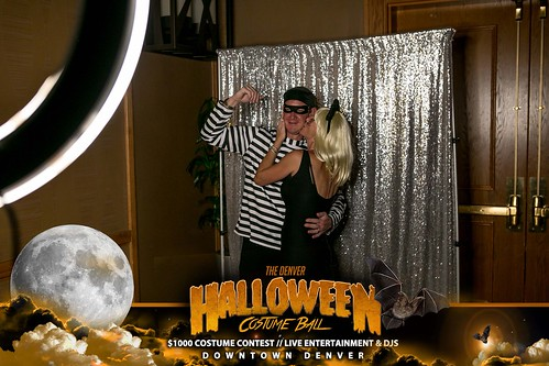 "Halloween Costume Ball 2017 • <a style=""font-size:0.8em;"" href=""http://www.flickr.com/photos/95348018@N07/38024843286/"" target=""_blank"">View on Flickr</a>"