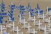 desolazione (archgionni) Tags: spiaggia beach sabbia sand ombrelloni umbrellas bianco white blu blue estate summer vacanze vacations pioggia rain nessuno nobody christiangroup