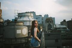 (Kevin .H) Tags: 台灣 台北 攝影 外拍 人像 女孩 屋頂 巷弄 taiwan taipei girl photography canon 5d2 5dii 35mm film f14 f18 烏克蘭 ukraine