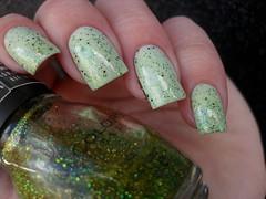Impala - Matinê + Sinful Colors - Call you later (Barbara Nichols (Babi)) Tags: impala matinê glitter verde greennailpolish green greennails esmalteverde sinfulcolors callyoulater