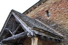 Porche de l'église de Saint-Clément-sur-Guye (odile.cognard.guinot) Tags: églisesaintclément porche saôneetloire bourgognefranchecomté bourgogne saintclémentsurguye