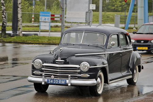 Plymouth Special DeLuxe Sedan 1949* (0109)