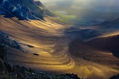 Golden Touch (carolina_sky) Tags: haleakalānationalpark hawaii maui volcano volcanicsand light gold sparkle sunrise crater rock pentaxk3ii pentax2470 pacific puʻuʻulaʻula »bestofnature«