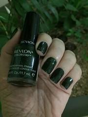 Rain Forest - Revlon (Jane Iris) Tags: nail polish green esmalte unhas verde revlon