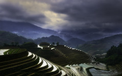 The terraced fields. (Massetti Fabrizio) Tags: terrace fields fog clouds guilin green guangxi guanxi cina china nikond4s 2470f28 sun sunset rural tramonto worldheritage world