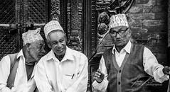 NEPAL - 3 OLD MAN NR2 B&W (TONY-BUENO - Barcelona) Tags: canon eos 5d 5dmkii 5dmk2 35350ef3556 35350 people portrait retrato bw blancoynegro blackandwhite nepal