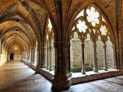 Claustro Monasterio de Veruela S.XII (Eduardo OrtÍn) Tags: clustro columnas arcos zaragoza aragón monasterio veruela