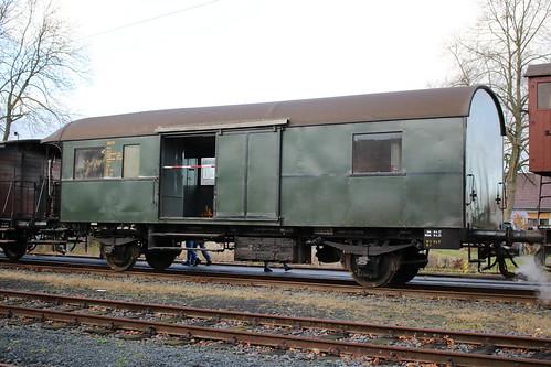 HC: Gepäckwagen KN 91 in Naumburg