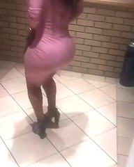 2017-10-30 14.22.26 1637064502979882903_4829977586 (African Queendom) Tags: igbestcakes thickgirlsonly dopesgirlsdopebooty dailybooty instacurvesthecake curvy curvaceous curviestcurves teamcakesuperbadd naija 9janigeria curvyafricangirls africasouthafrica kenya ghana booty africanqueen queendom pictureoftheday