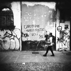 Milano (Valt3r Rav3ra - DEVOted!) Tags: holga holgacfn lomo lomography toycamera milano medioformato bw biancoenero blackandwhite ilfordfp4 ilford analogico analogica analog analogue valt3r valterravera visioniurbane urbanvisions streetphotography street