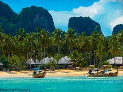 Phi Phi Island - Thailand (johnfranky_t) Tags: phi island isola johnfranky t barche thailandia thailand capanni palme cocco mare