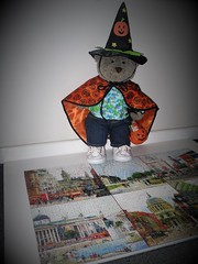 Halloween 'pussler' 🎃 (pefkosmad) Tags: jigsaw puzzle pastime leisure hobby 1000pieces complete collage montage sundayinthecity used secondhand tombutler painting art tedricstudmuffin teddy ted cute cuddly stuffed soft animal toy fluffy plush