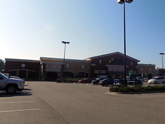 Lowes Foods of Hampstead, NC (NCMike1981) Tags: lowesfoods grocer grocerystore grocery supermarket retail store shopping stores shoppingcenter hampstead hampsteadnc nc northcarolina ncshopping