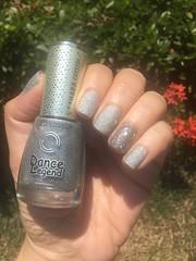 Argentum - Dance Legend + 667 - Catherine Arley + Diamond Drops - Color Club (Jane Iris) Tags: nail polish unhas esmaltes prata sand
