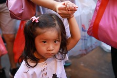 Grumpy Kid (superzookeeper) Tags: 5dmk4 5dmkiv hk hongkong canoneos5dmarkiv ef2470mmf28liiusm fruitmarket fruit people market wetmarket eos digital yaumatei kids ymt children street bokeh grumpy